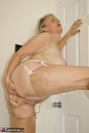 Granny pussy pictures